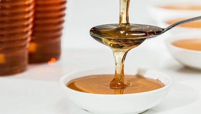 La miel es igual de efectiva que un antibiótico: estudio