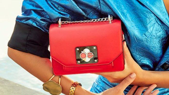 El rojo marca tendencia en bolsos