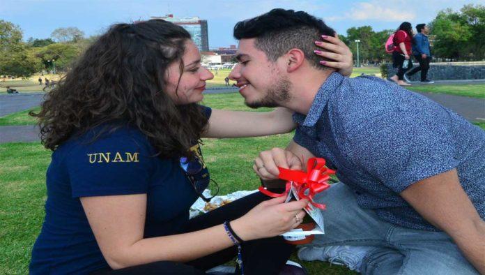 El amor, la mejor defensa contra la COVID-19: UNAM