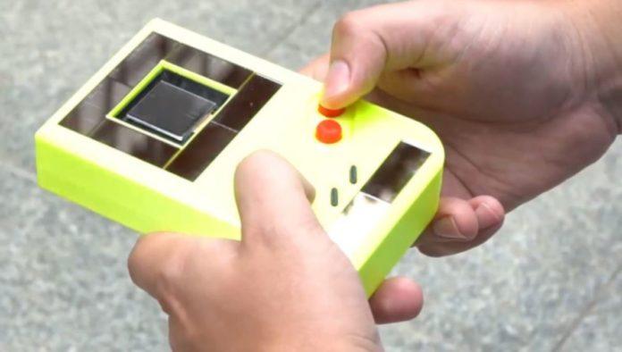 Crean Game Boy que no necesita baterías