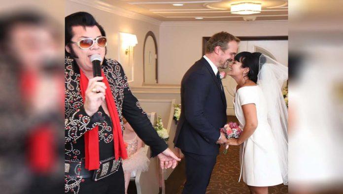 Lily Allen y David Harmour se casan al estilo Las Vegas