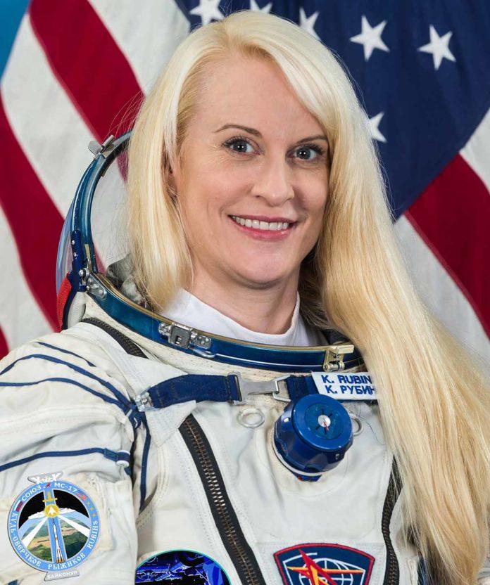 Mujer astronauta vota desde el espacio para las elecciones presidenciales de Estados Unidos