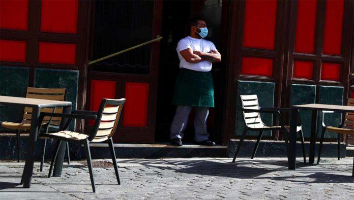 Italia vuelve al uso obligatorio de cubrebocas