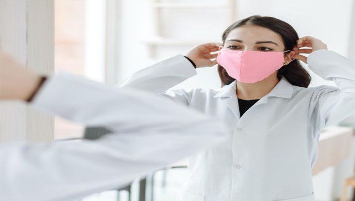 Tips de una dermatóloga para evitar el maskne