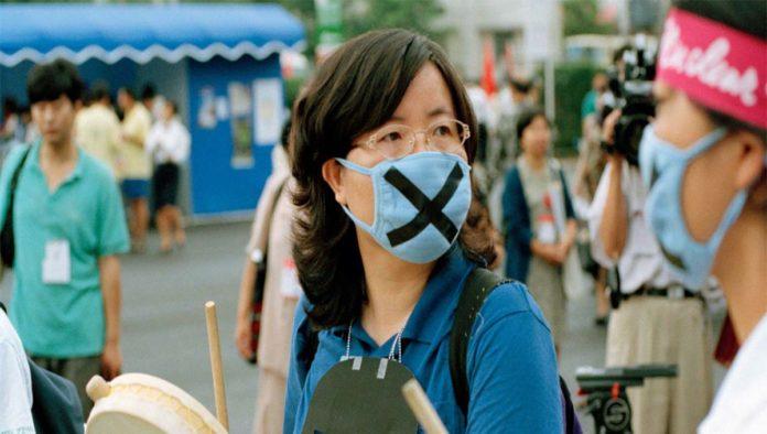 ¿Por qué la pandemia afecta más a mujeres que a hombres?