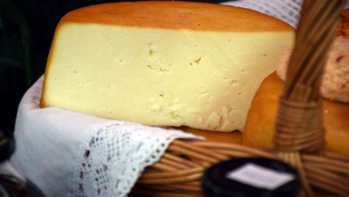 """¿Cómo distinguir el queso de los """"plastiquesos""""?"""