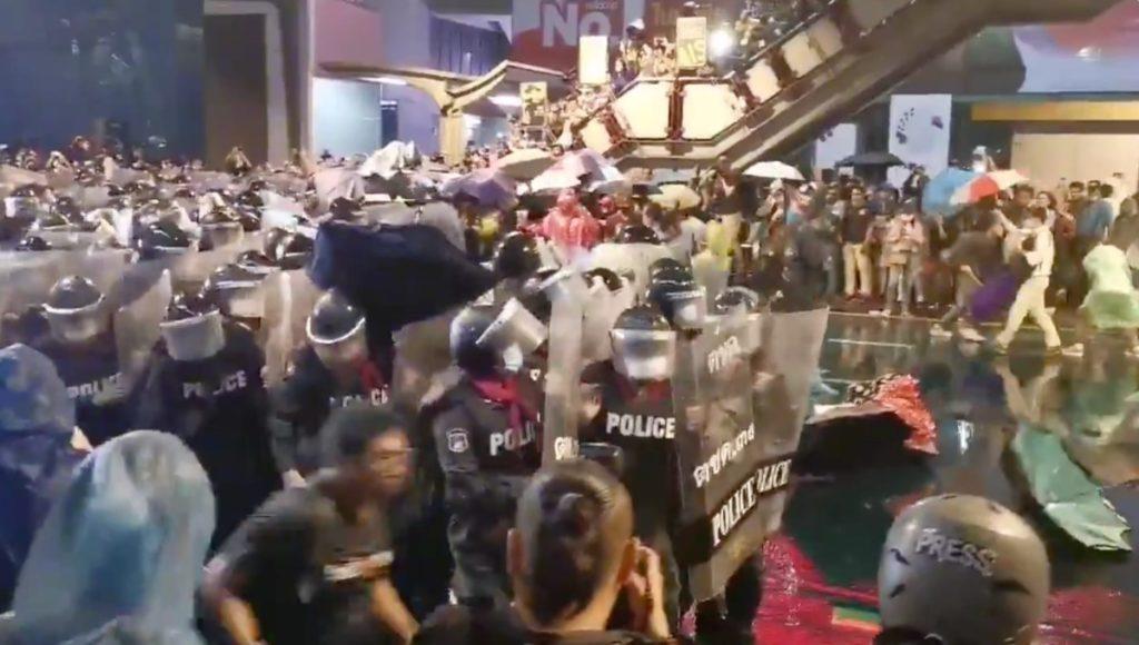 Las protestas estudiantiles de Tailandia toman las redes