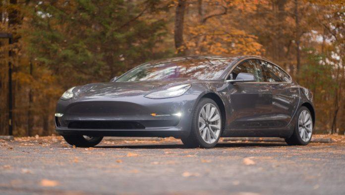 ¿Quieres viajar en un Tesla en México?