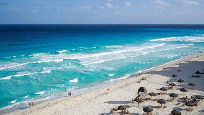 Los mexicanos redujeron sus viajes un 54% en el verano