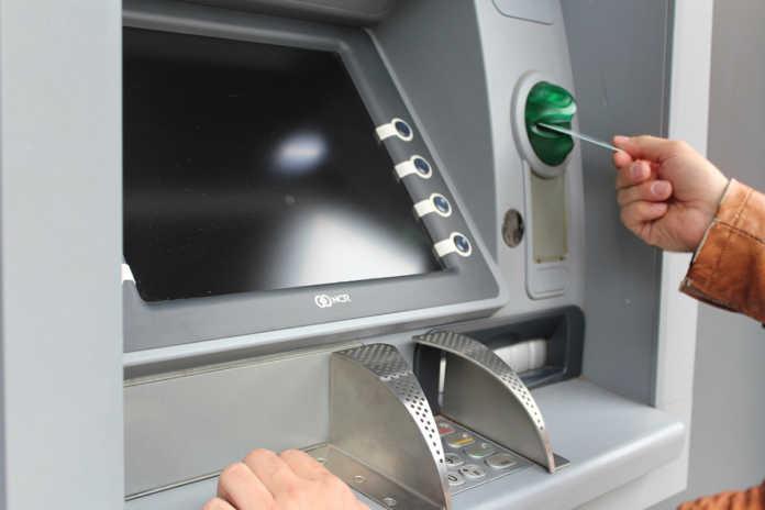 Cajeros automáticos, espacios más inseguros en México: INEGI