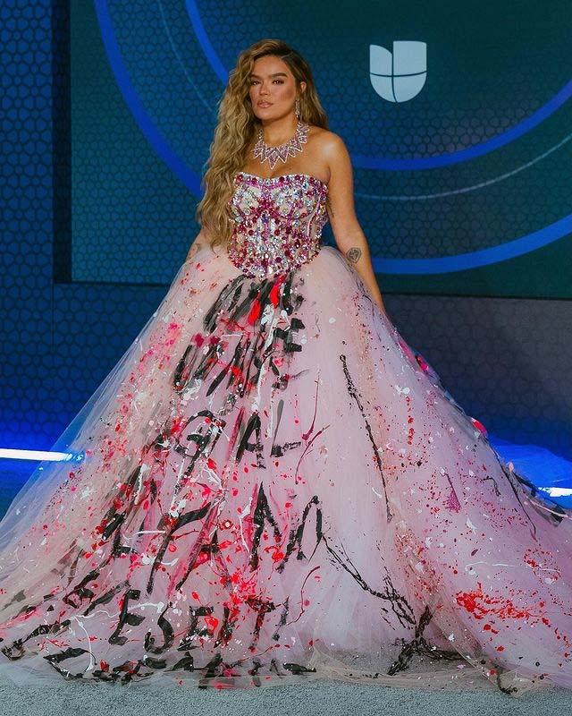 Karol G entre los mejores looks de los Latin Grammy