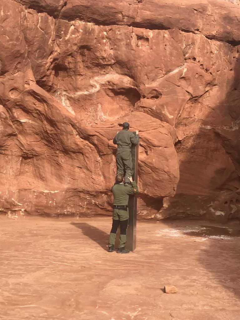 Foto del monolito hallado en un desierto de Utah