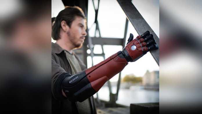 Konami presenta brazo biónico de superhéroe