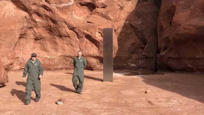 Desaparece monolito de metal que apareció en desierto de Utah