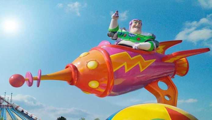 Disney despedirá a 32 mil trabajadores de parques de diversiones por COVID-19