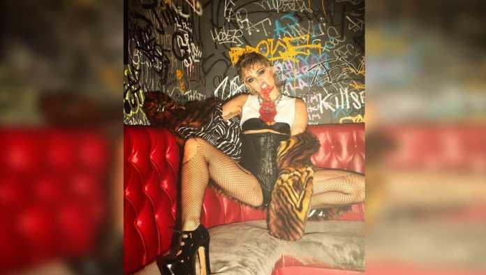 Miley Cyrus explora un nuevo género en su nuevo disco Plastic Hearts