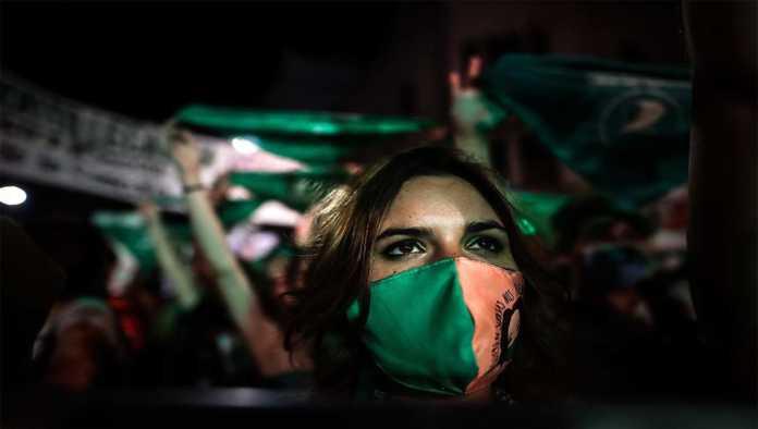 Celebran en Argentina despenalización del aborto