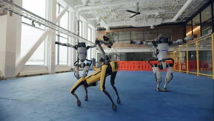 Robots de Boston Dynamics bailando