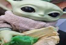 Uno de los tamales de Baby Yoda