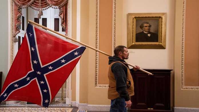 Bandera confederada en el Capitolio