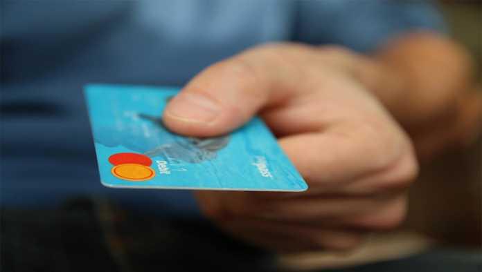 Clienta de BBVA es víctima de robo de datos personales y recibe cargo de 20 mil pesos