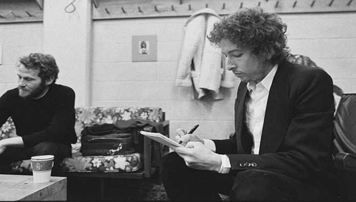 Bob Dylan enfrenta millonaria demanda por la reciente venta de su catálogo