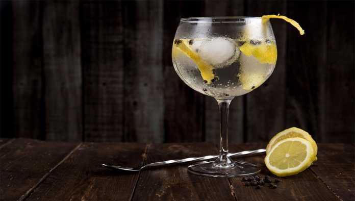 5 recetas de cocteles con vodka que puedes hacer en minutos