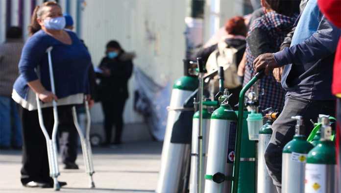 Pacientes esperan relleno de tanques de oxígeno