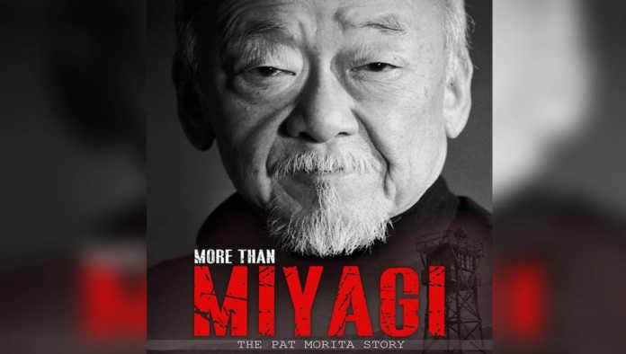 Póster documental Pat Morita (señor Miyagi)