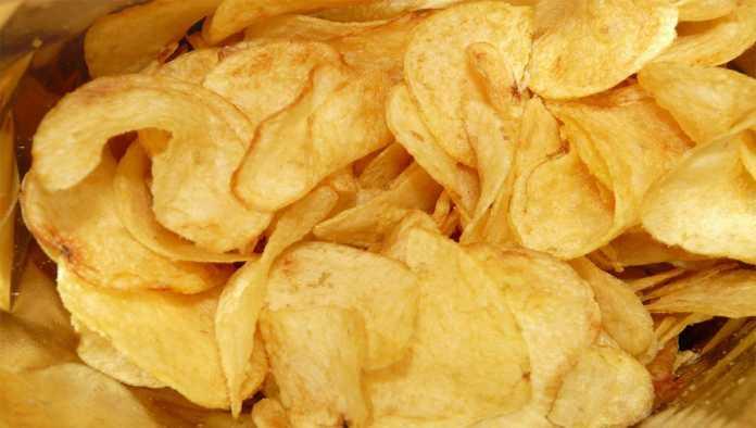 Profeco exhibe a las papas fritas con más grasas y sodio