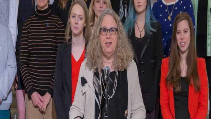 Joe Biden nomina a Rachel Levine, médica transgénero, como subsecretaria de Salud