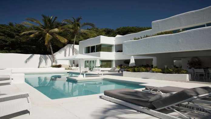 Renta la lujosa mansión de Roberto Palazuelos por 35 mil pesos la noche