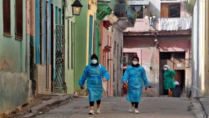 Médicos cubanos atienden pandemia de Covid-19