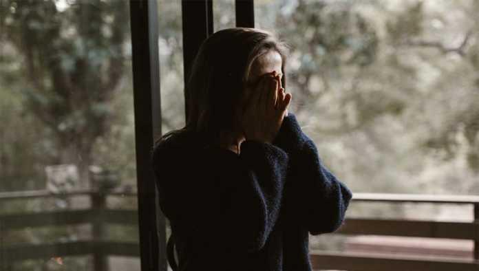 Mujer víctima de violencia doméstica