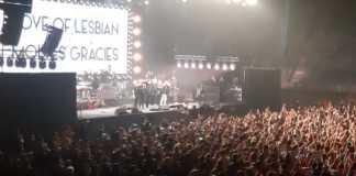 Realizan primer concierto masivo sin sana distancia en Barcelona