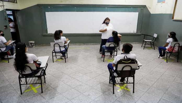 Escuela en funciones en pandemia