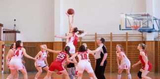 Atletas femeninas en competencia
