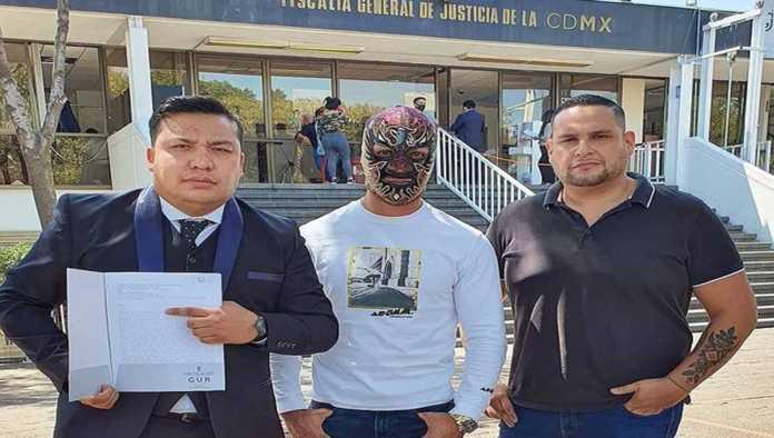 Halcón Negro Jr. y sus abogados
