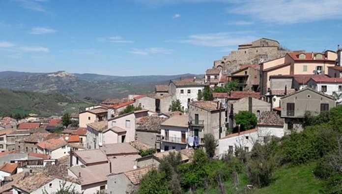 Larenzana, pueblo de Italia