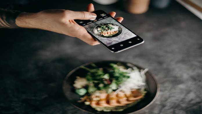 Un influencer publica una foto de su comida