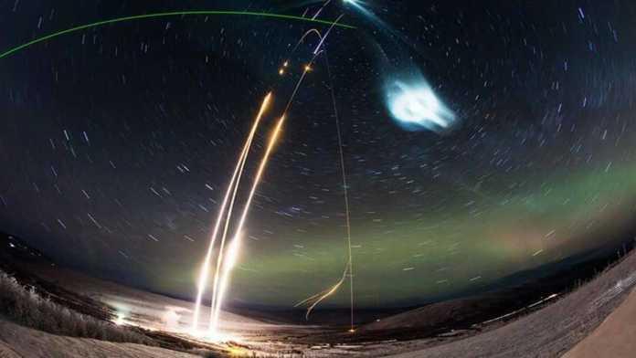 La NASA cubre nubes artificiales