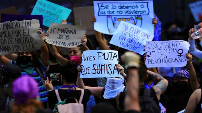 Mujeres menores de 35 prefieren luchar en las calles que en organizaciones: estudio