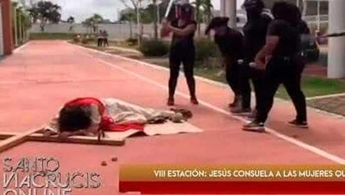 Acusan criticas a movimiento feminista en Viacrucis de Tabasco