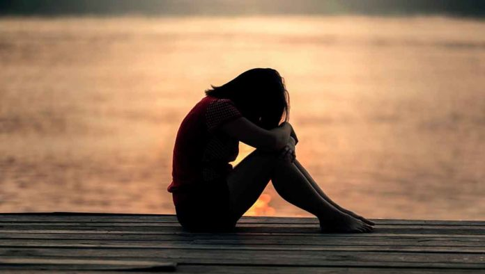 Hábitos cotidianos que están afectando tu salud mental