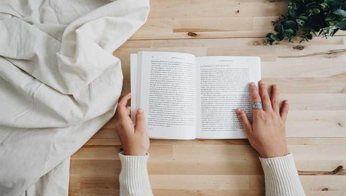 Libro hecho por una escritora mexicana