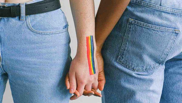 Dos mujeres lesbianas