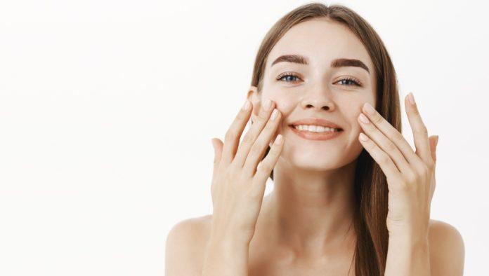 4 masajes faciales que te ayudarán a incrementar la belleza de tu rostro