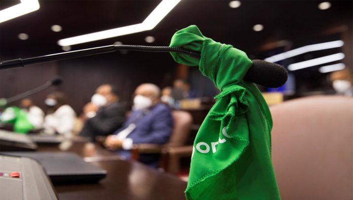 Pañuelo verde en favor del aborto