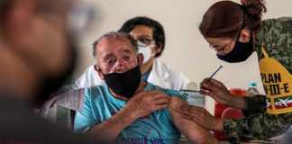 Aplicación segundo dosis de vacuna