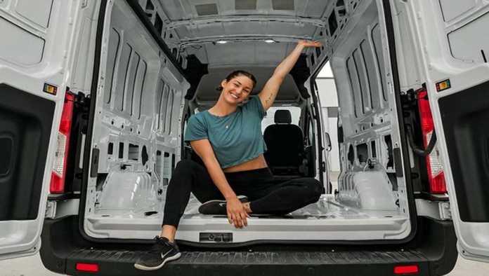 Confirman suicidio de Lee MacMillan, influencer de viajes que recorría el mundo en su camioneta